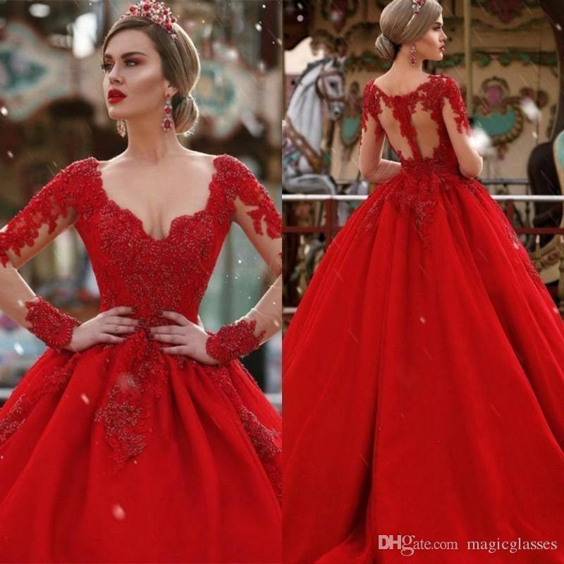 2020 Bola de vestido vermelho mangas compridas Prom Vestidos Vintage Lace Appliqued Tulle Quinceanera Vestido de Noite Plus Size Formal vestido de festa Pageant