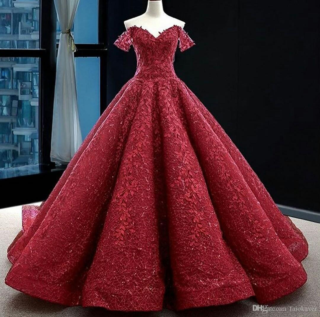 Großhandel Luxus Dunkelrote Abendkleider Aus Der Shouder Spitze Appliziert  Glitter Ballkleid Abendkleid Nach Maß Quinceanera Party Kleider Von