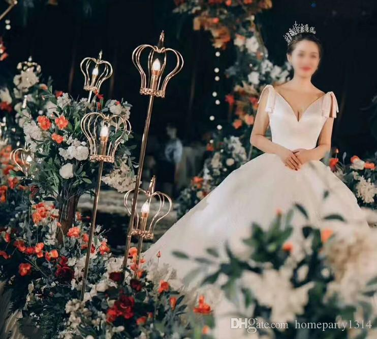 2019 romantic luxury crown metal stand road lead with led light for wedding walkway aisle party event T- Stage backdrops decoration