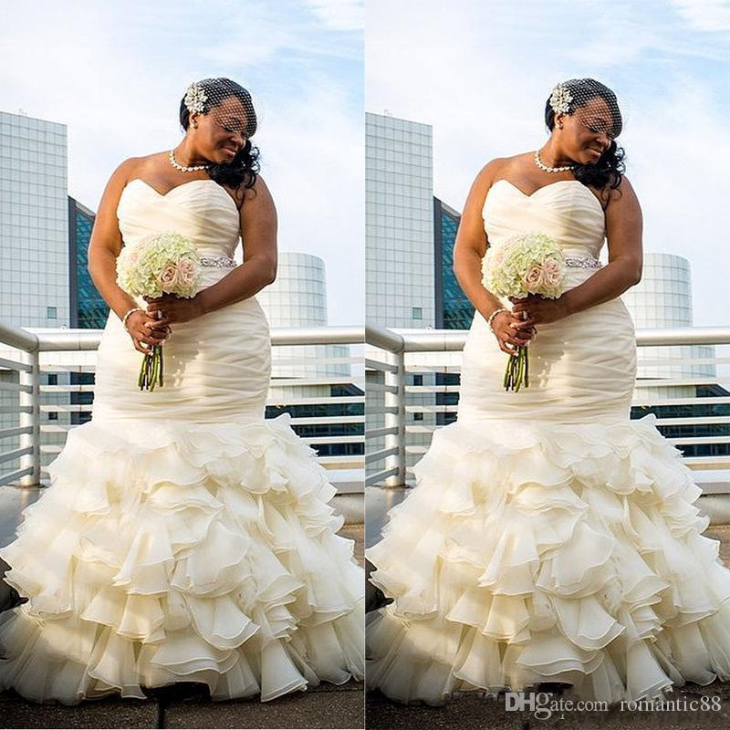 2019 플러스 사이즈 두바이 아랍어 간단한 웨딩 드레스 인어 공주는 드레이프 로브 드 결혼 연인의 연한 길이의 신부 가운
