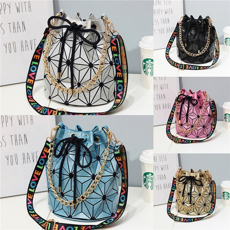 Elegante Feminino Mini Bag 2020 Verão New alta qualidade PU Womens couro Designer Shoulder Bag Bloqueio Cadeia Messenger Bag # 569