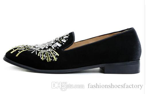 الرجال المخملية أحذية الانزلاق على المتسكعون الأزياء تظهر التطريز الماس أحذية EU39-EU46 ، الأسود ، الأحمر ، الأزرق ل حرية الملاحة