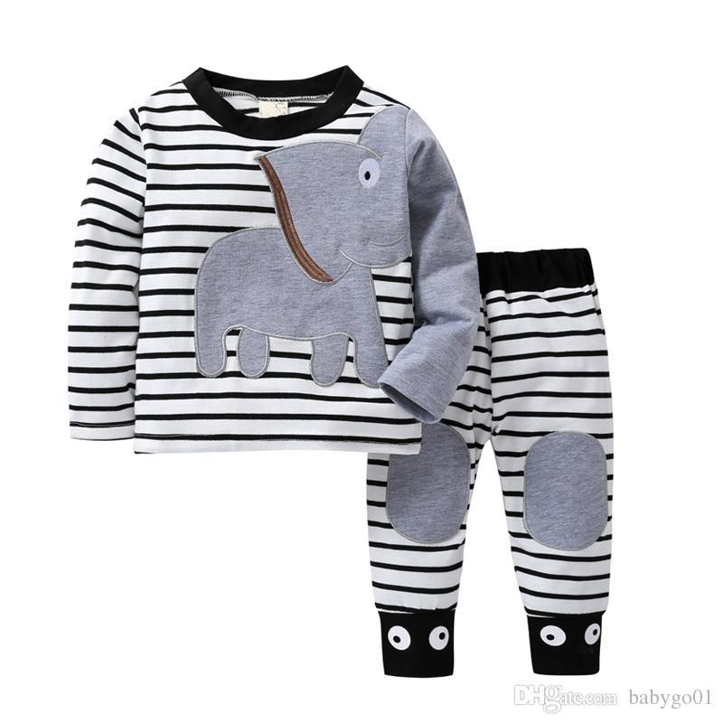 Mizah Ayı 2019 Yeni Noel Bebek Kız Giysileri Setleri Erkek Takım Elbise Erkek Baskı Çizgili Karikatür Tasarım T-shirt + Pantolon
