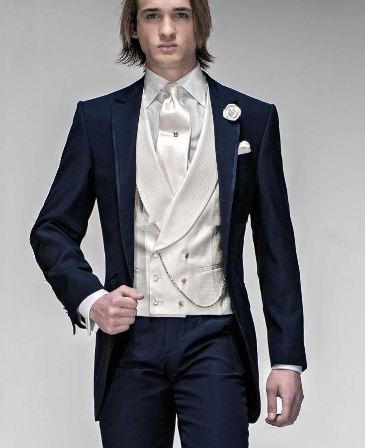 Nuovi Smoking da sposo Groomsman One Button Blu scuro Notch con risvolto Best Man Suit Abiti da uomo Blazer per uomo Custom Made (Jacket + Pants + Vest + Tie) 14