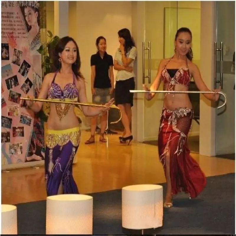 جديد وصول أشخاص الجاز الرقص العكازات رقص شرقي المشي عصا قصب الأداء الدعائم الذهب الفضة أحمر أرجواني اللون الوردي
