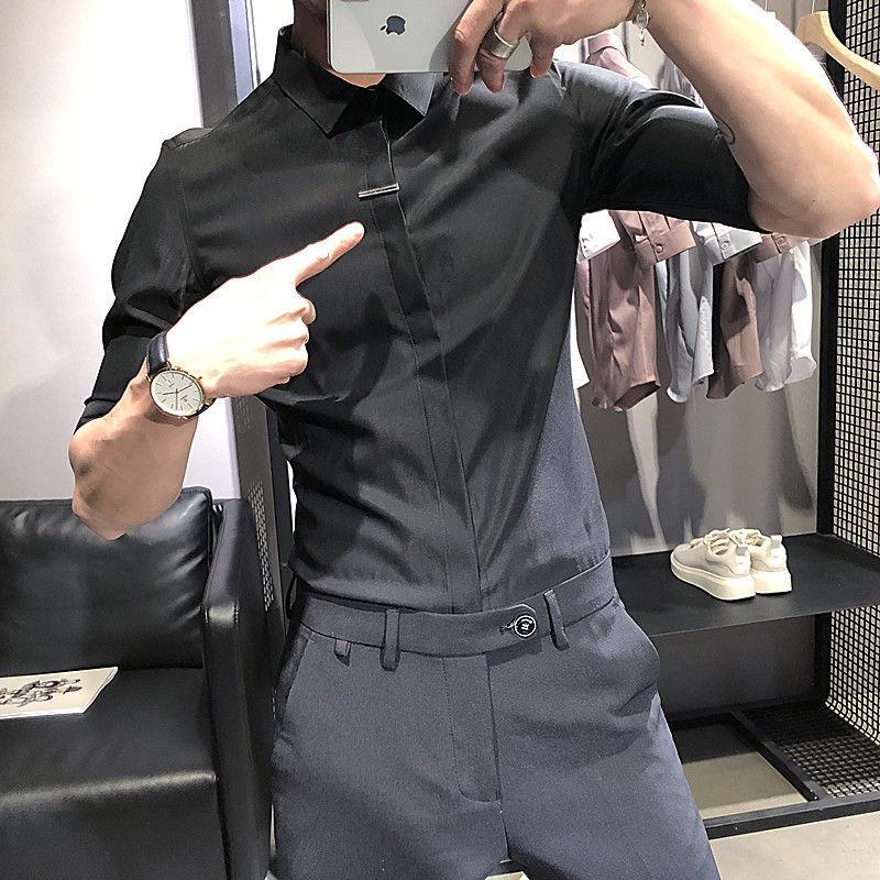 Herren Kurzarmhemd 2020 Frühling und Sommer neue schlanke Fünfpunkt Hülse wilden Hemd junge Persönlichkeit Modetrend für Männer