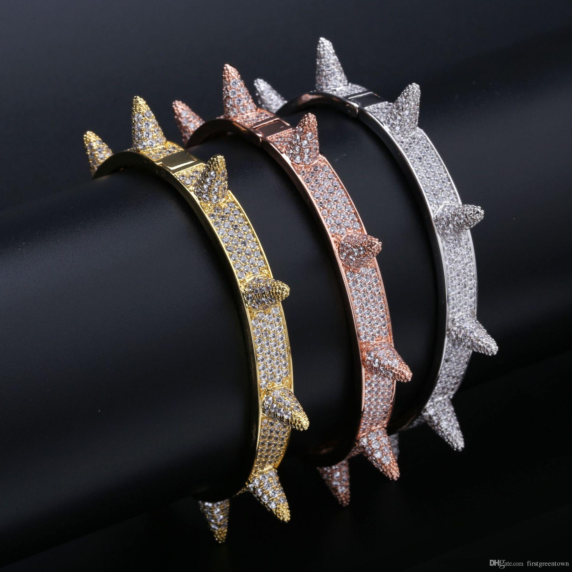 Niet-Bolzen-Männer Charme-Armbänder Armband-Iced Out Gold-Silber-Farben-Armband-Hip Hop / Punk Gothic Bling Schmuck