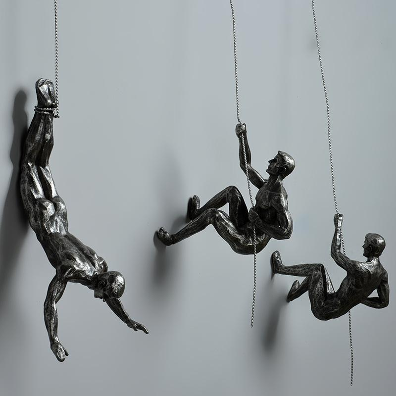 Industrial Style Climbing Man Resin Iron Wire Wall Hanging Decoration Sculpture Figures Creative Retro Present Statue Decor T200619