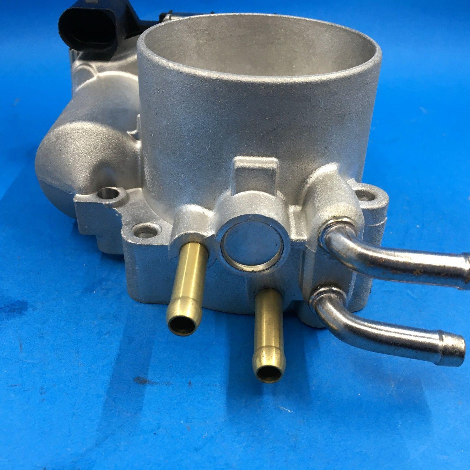 Yeni Yakıt Enjeksiyon Throttle Body Montaj 2000-2006 AUDI A4 VW 2.8L 3.0L V6