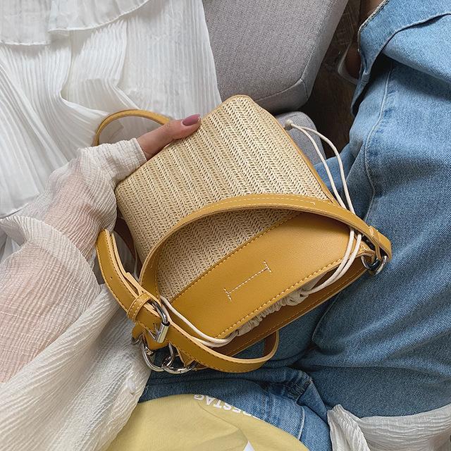 Designer Hot Sacs à main Messenger Bag Tissé 2020 Nouveau mode Portable de luxe Seau Sac Tide Designer épaule Straw Sac