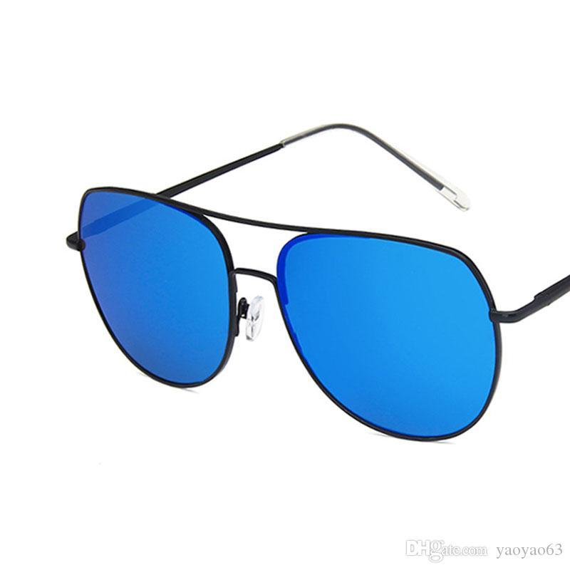 El nuevo estilo de Europa y América gafas de sol del marco del metal primavera piernas gafas de sol