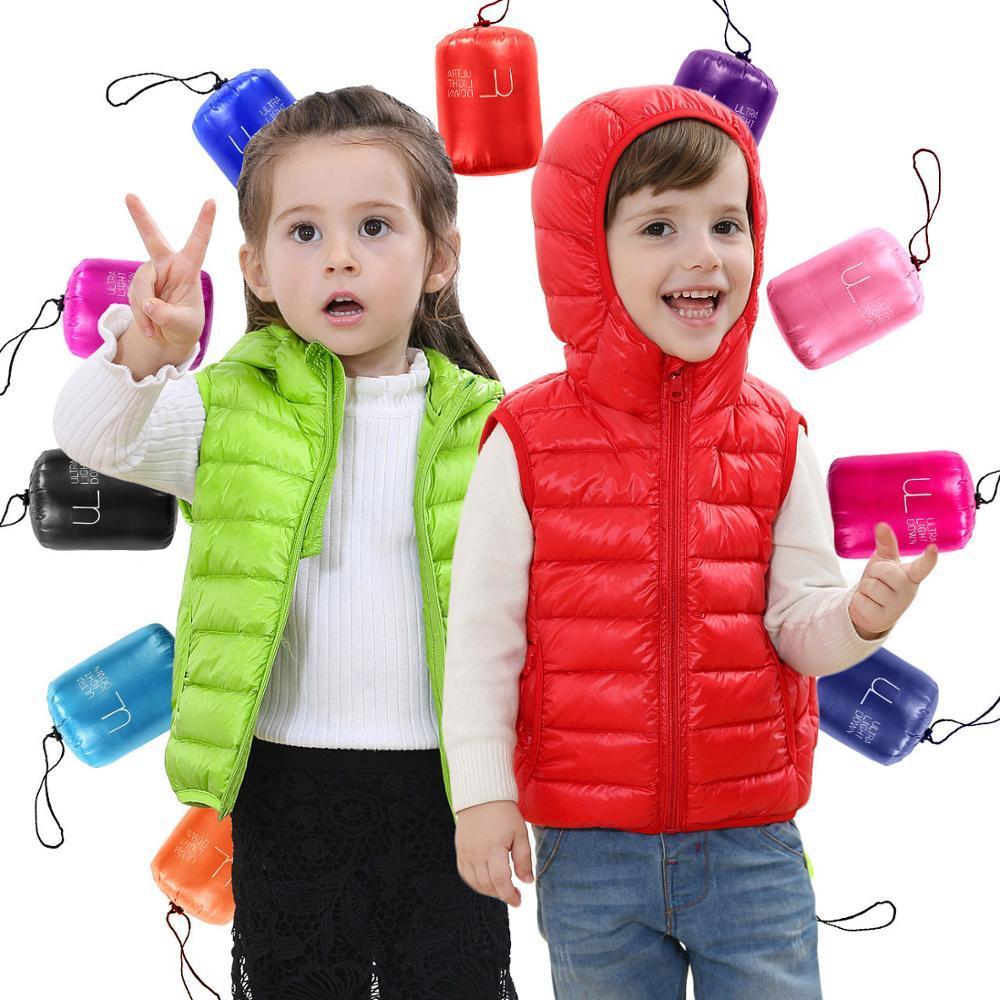 2019 Erkekler Kış Aşağı Yelek Yelek Kızlar Kapşonlu Sıcak Şeker Renk Yelek Çocuk% 90 Beyaz Ördek Aşağı Yelek Yelek