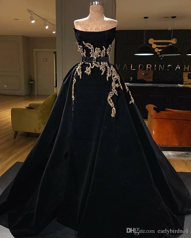 Vintage Gold Lace Appliqued Ball Gown Evening Dress Sexy Black Strapless Arabic Prom Dresses Elegant Formal Party Pageant Gown
