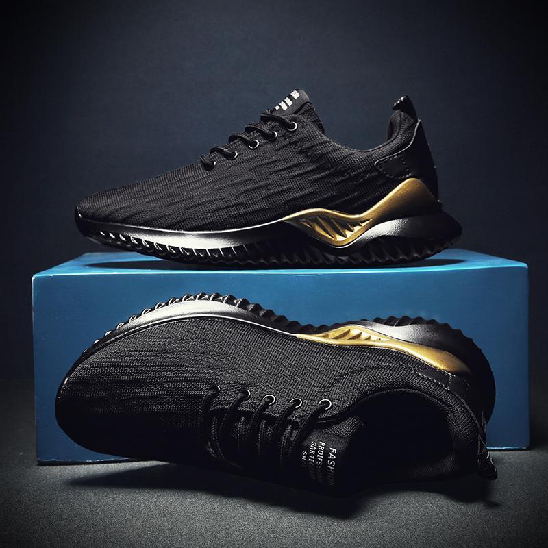 Дизайнер женщин людей кроссовки Тройной Черный Белый Золото дышащий бег трусцой Прогулки Теннис Тренажёры Спорт Кроссовки 39-44 Сделано в Китае