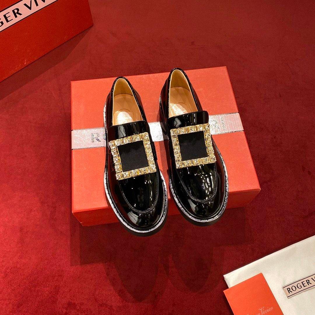 Designer scarpe fibbia in metallo scarpe casual in pelle pantofola piattaforma aerea basket sandalo Kanye tripla epoca Espadrillas sandalo diapositive