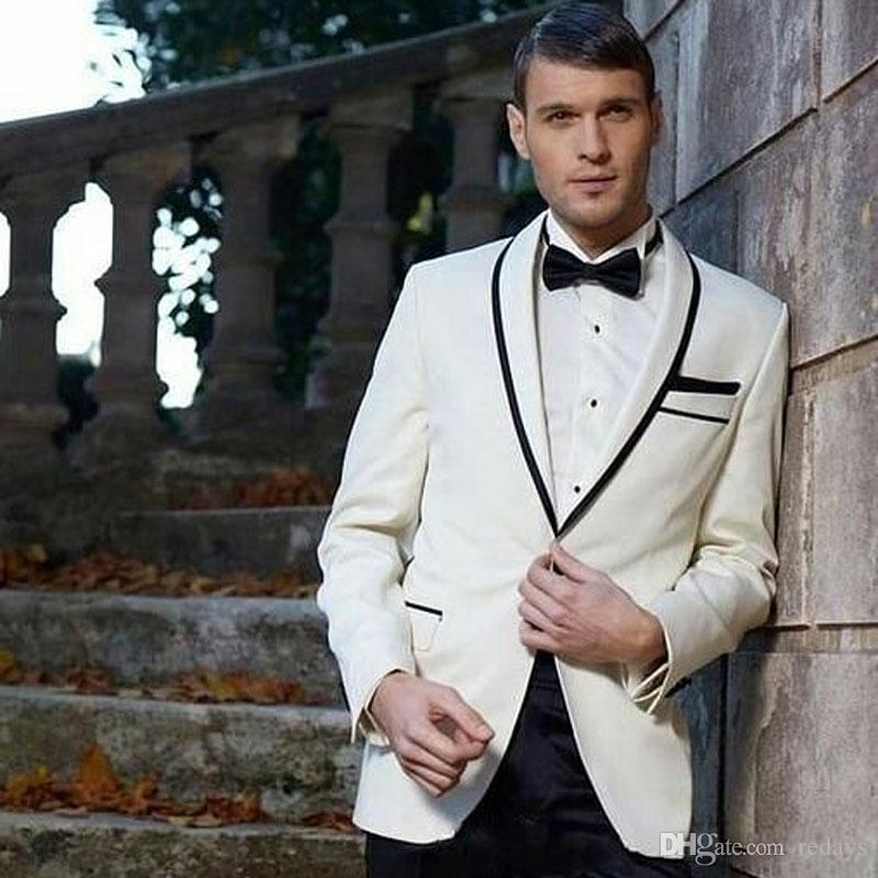 Blanc de mariage de marié de smoking hommes Costumes Pantalons noirs Groomsmen Veste 2piece Best Man attires Epoux Tenues Soirée Terno Masculino