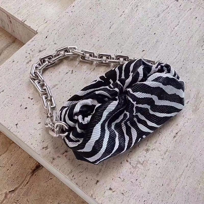 Embrague voluminoso suave con correa cuadrada Zebra Silver PU Cadena de la PU de impresión de hombro Sling Bolsa Moda Moda Bags Big Bags para niña Kwogx