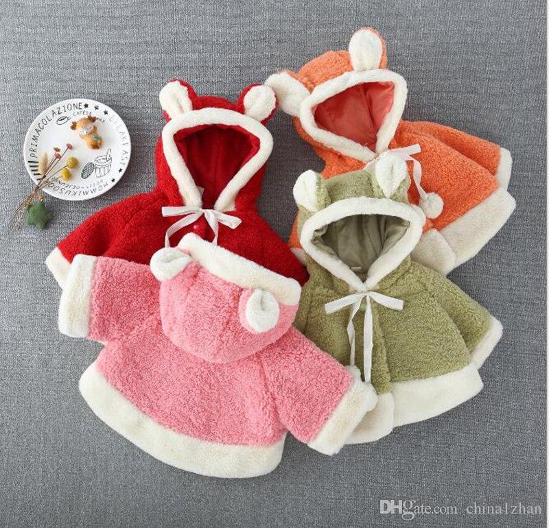 Bebek Kız Giyim Kız Gevşek Kapşonlu Cloak Sonbahar kuzu yünü bebeğin kat Cloak Çocuk Peluş Panço Dış Giyim 4 1-4T LY13 Tasarımları