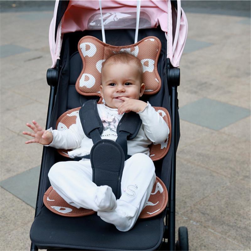 Yenidoğanlar + Hook Su geçirmez Bebek Arabası Aksesuarları Bezleri Değişen Nappy Pad Koltuk Arabaları / Pram / Buggy / Araç Genel Mat Soğuk