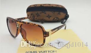 L'alta qualità degli occhiali da sole-epoca delle donne di marca del progettista nuove donne di modo occhiali da sole donne sole con casi e di dialogo