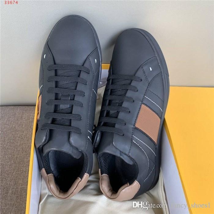 Mens neri Pattini sportivo nero con tinta sul allacciatura posteriore e la base piatta basso in alto scarpe da jogging, con imballaggio completo