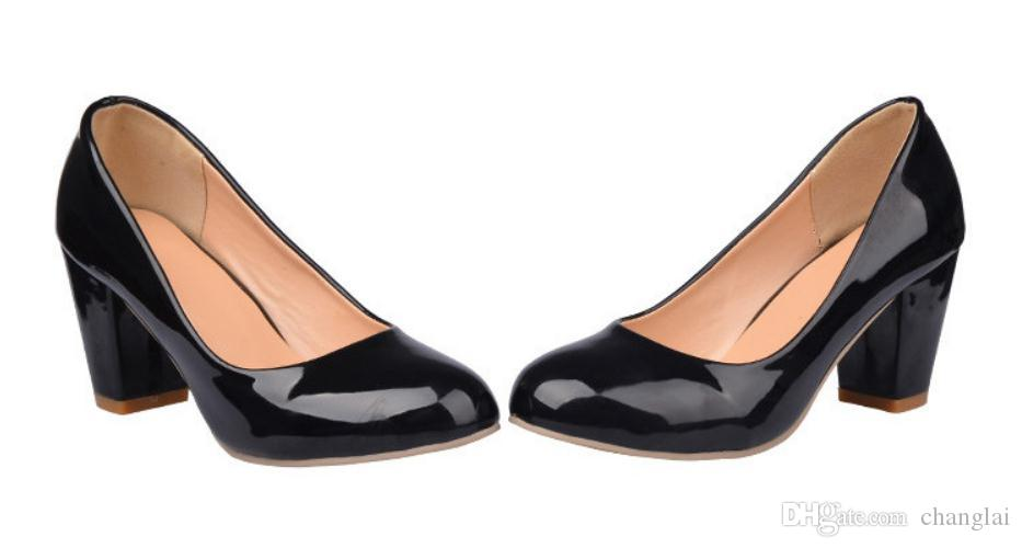 Chaussures de mode pour femmes au printemps et à l'automne 2018 avec nouveau style Talon haut Talon grossier tête ronde