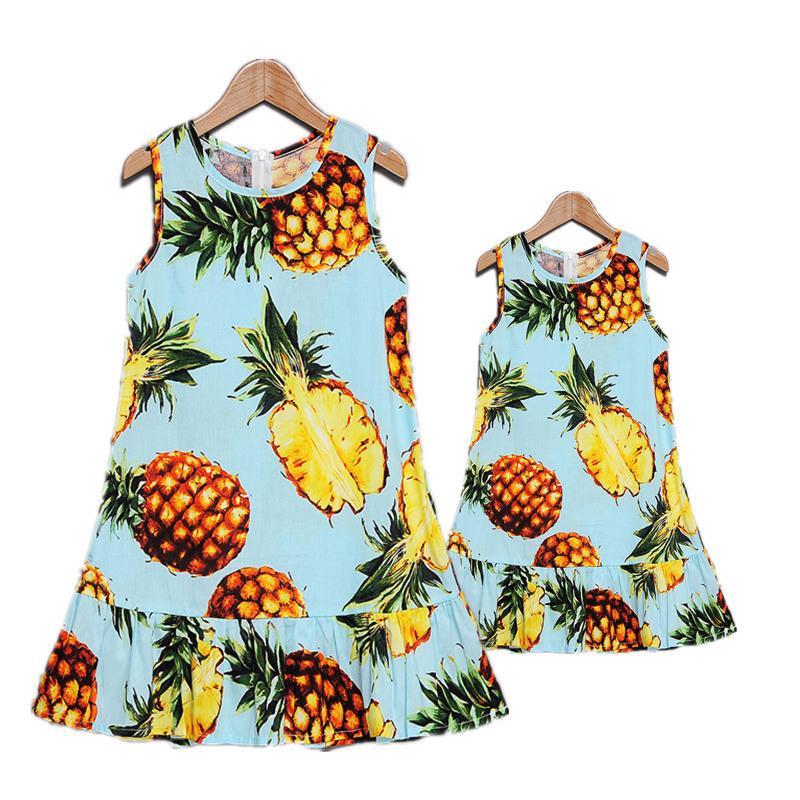 Nuevo vestido de verano para la madre Ropa a juego Algodón Fruto Impreso Mamá e hija Vestidos Familia Look Trajes Q190524