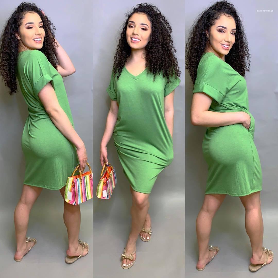 اللباس V-neck الصيف الصلب اللون الأزرق الأخضر اللباس عارضة الملابس ذات الأكمام القصيرة طويلة Tshirt النساء