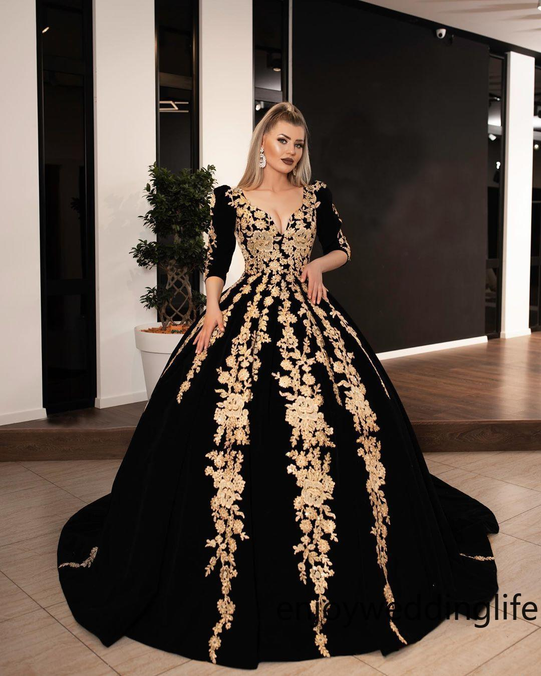 Elegant 2020 Ball Gown Prom Dresses Gold Lace Appliqued Dubai Arabic Celebrity V Neck Half Sleeves Evening Gowns Formal Quinceanera Dress