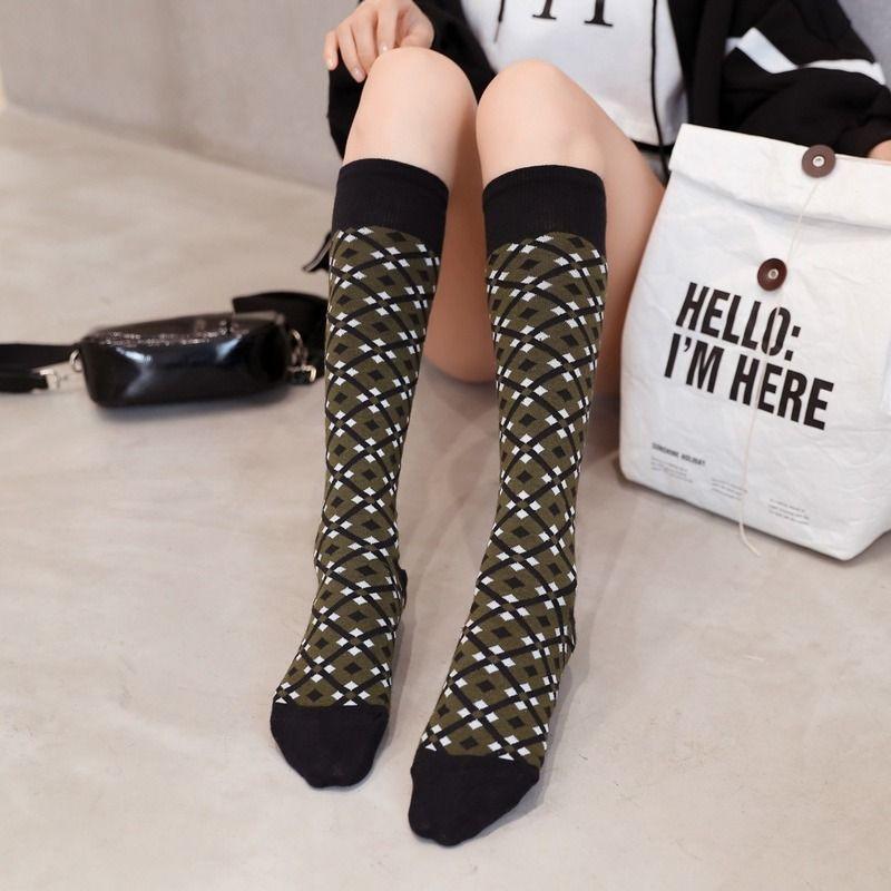 a forma di diamante Piccolo ginocchio colpisce il Giappone e la Corea del Sud Calze Vitello Cotone Harajuku Felice del regalo delle donne della caviglia di Natale