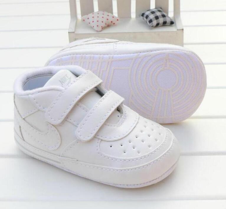 Baby Shoes Newborn Boys Girls Heart Pattern First Walkers Kids Toddlers Lace Up PU Sneakers Gif