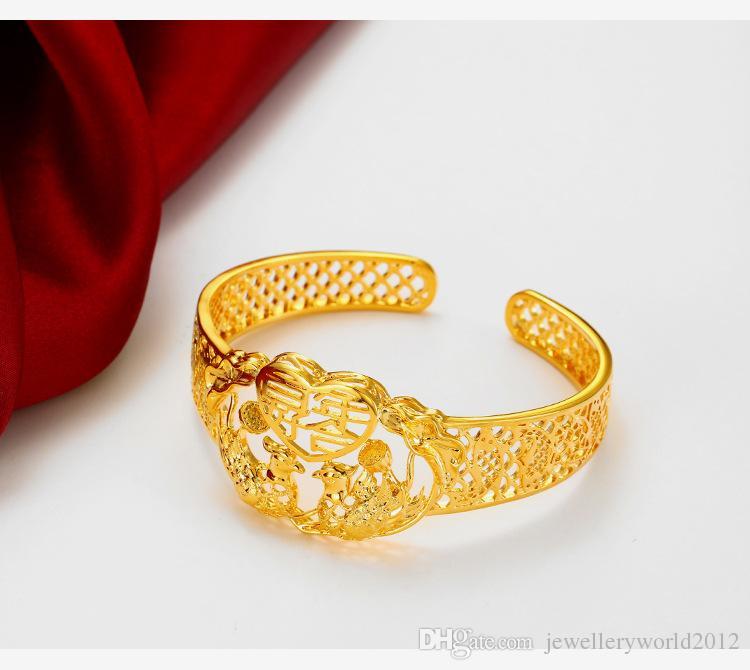Imitación del brazalete de oro de la boda de la novia de la vendimia
