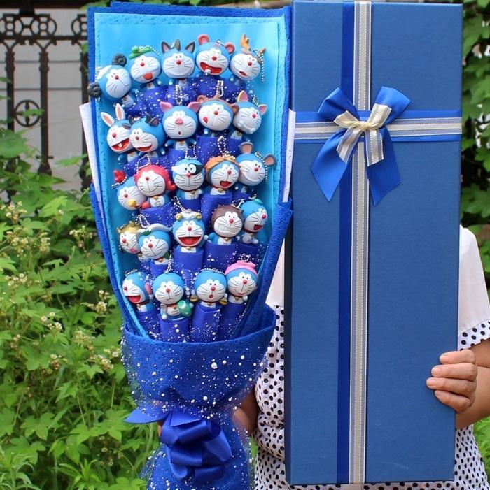 새로운 기능! 애니메이션 도라에몽 액션 피겨 수프 꽃 모델 아이 장난감 PVC 도라에몽 고양이 동물 인형 꽃다발 로맨틱 생일 선물 없음 상자