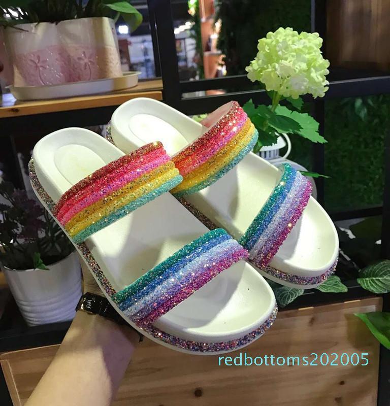 2019 nouvelles chaussures d'été pour femmes arc-en-Bling pantoufles Dame De Mode Flip Flops Glitter femme à L'extérieur diapositives chaussures en gros r05