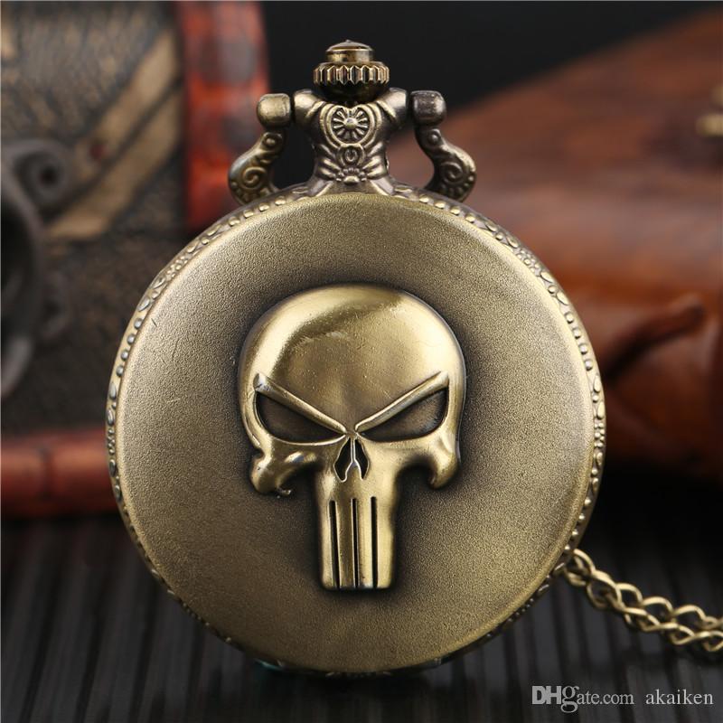 Vintage Bronze Skull Case Quartz Analog Pocket Watch Fashion Necklace Chain Antique Style Fob Roman Numerals Watches