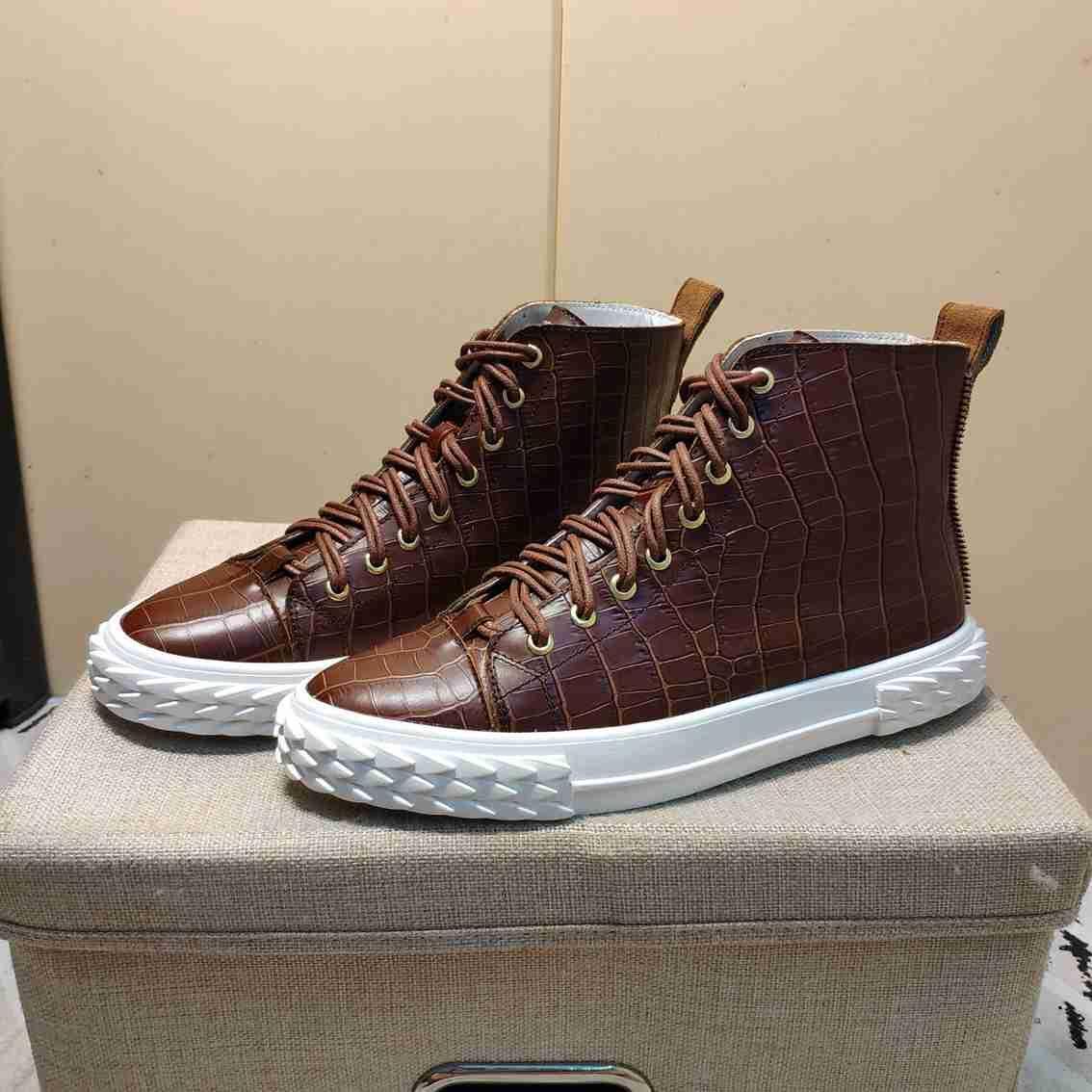 Gaobang pattini del bordo degli uomini di modo internazionali grandi designer di lusso di importazione di alta qualità scarpe di cuoio faccia casuali 38-44