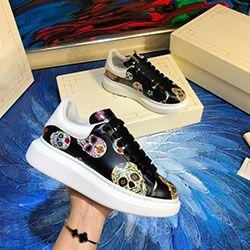 2020 New Designer de sapatos de luxo Studded Spikes Flats para amantes de Mulheres do Partido dos homens couro genuíno calçados casuais das sapatilhas e0832