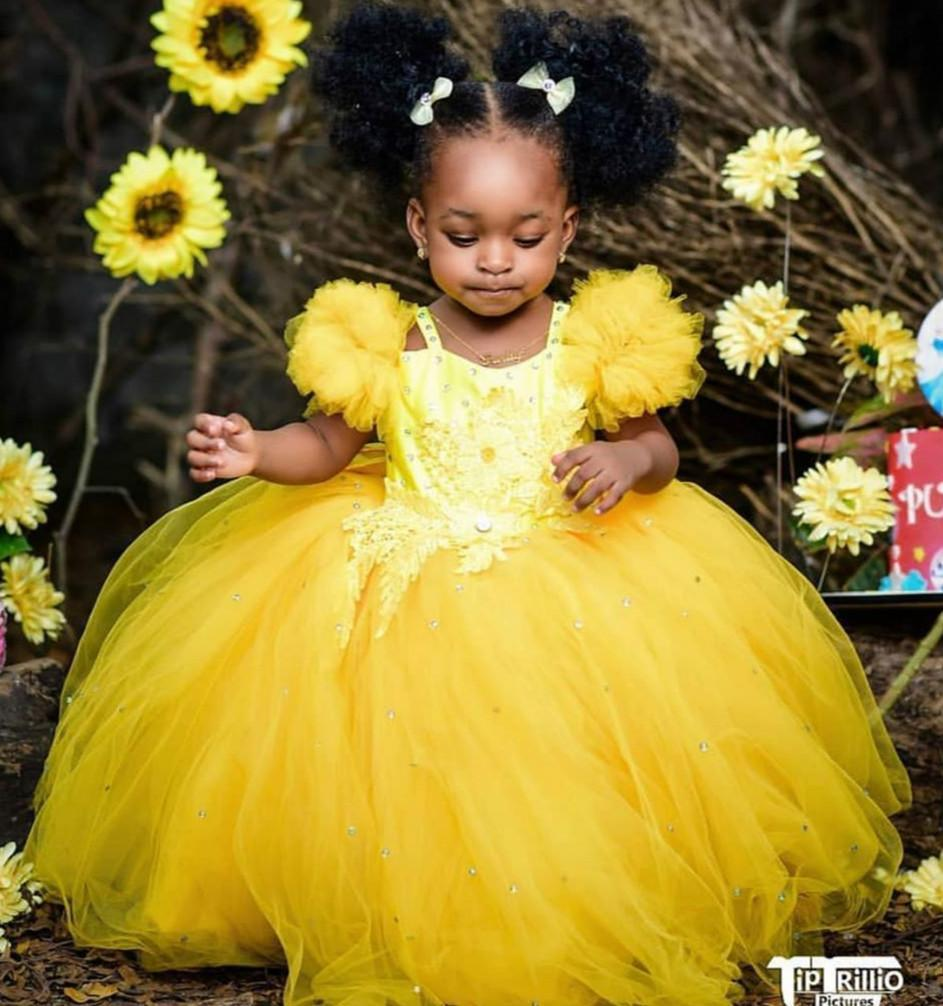 Belle robe de bal jaune robes fille fleur Tulle petite fille robes de mariée en dentelle Crystals pas cher Communion Pageant Robes Robes
