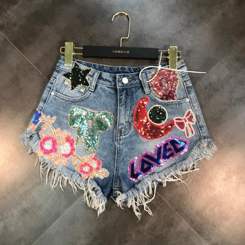 Deat 2019 New Arrivals Moon Stars Sequins Embroidery Tassel Patch Raw Denim Shorts Female Fashion Tide Women Me670 T4190617