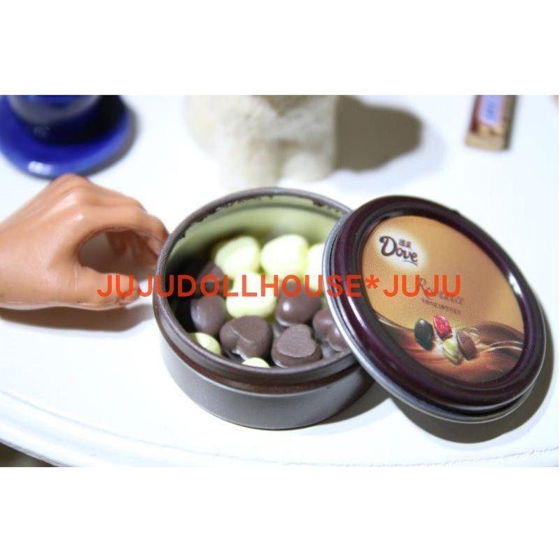 Barbies BJD Doll Mutfak Oyuncaklar için 1PCS 6/1 Ölçek Minyatür Dollhouse Gıda Çerezler Kutuları Mini Çikolata Blyth Doll Gıda