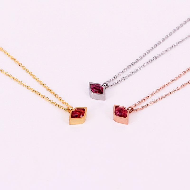 El regalo de Navidad un par de acero Sexo labio collar de los colgantes de acero joyería de la boda Cristal Rojo romántico Zircon Collares Mujeres