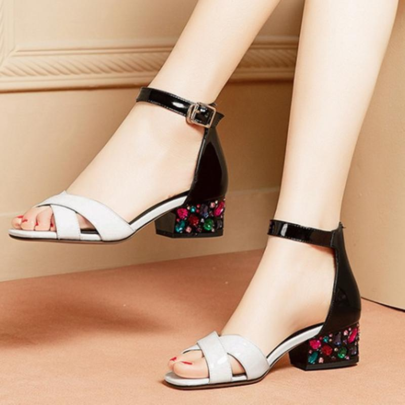 Yeni Gerçek Deri kristal Kadınlar Sandalet Kare Ayak Nal Topuklar Toka Parti Ofis Lady Temel Ayakkabı