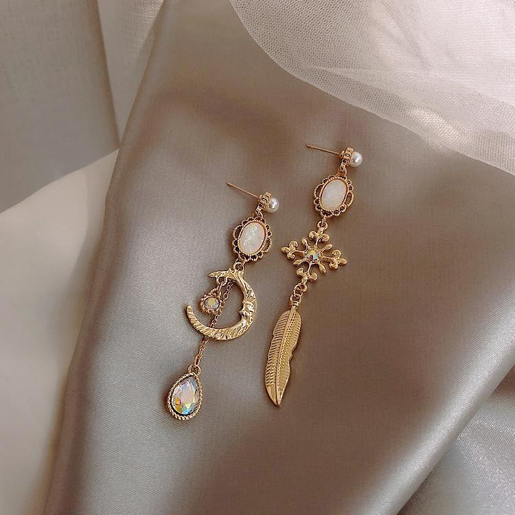 Boucles d'oreilles de couleur baroque asymétrique lune laisse tomber boucles d'oreilles long luxe classique vintage vintage boho pour les femmes