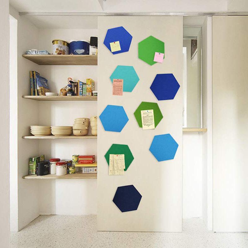 5pcs / Set Hexágono fieltro tablero hexagonal fieltro etiqueta de la pared multifunción 3D decorativo Inicio de noticias Foro autoadhesivo sitio de los niños