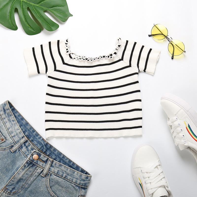 2020 Summer Sexy Encolure noir et blanc à rayures T-shirt Femme d'été Slim Oreille Bord court Top