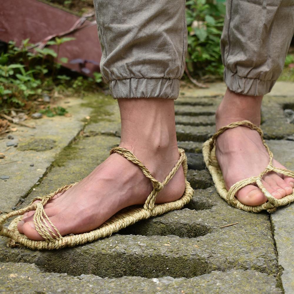 2019 nuove scarpe di lino di paglia sandali di estate degli uomini ha lavorato a mano delle scarpe retrò raccolta comodo coppie pantofole XL 37-48