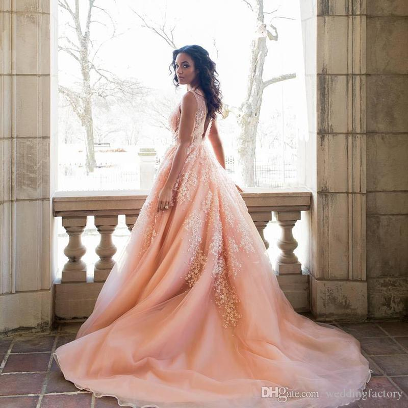 2019 Long Prom Dresses 섹시한 딥 브이 넥 민소매 빈티지 레이스 아플리케 블러셔 핑크 Tulle 백 레이스 이브닝 파티 가운 스위프 열차