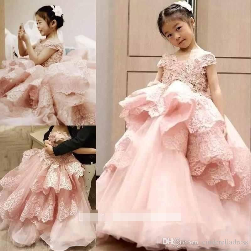 Princess Pink Lace Ball Gown Flower Girls Dresses 2019 Jewel Neck Short Sleeve Ruffles Tiered Skirts Girls Pageant Gown First Communion Dres