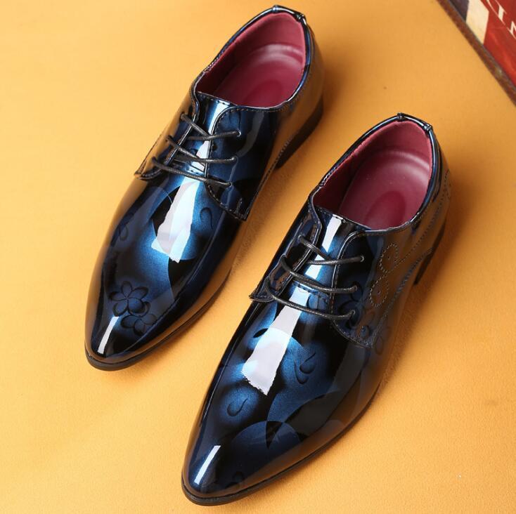 Yeni 2020 Erkekler Elbise Ayakkabı Biçimsel marka Düğün Gerçek Deri Ayakkabı Retro Brogue İş Ofisi Erkekler Flats Oxfords İçin Erkekler 37-48