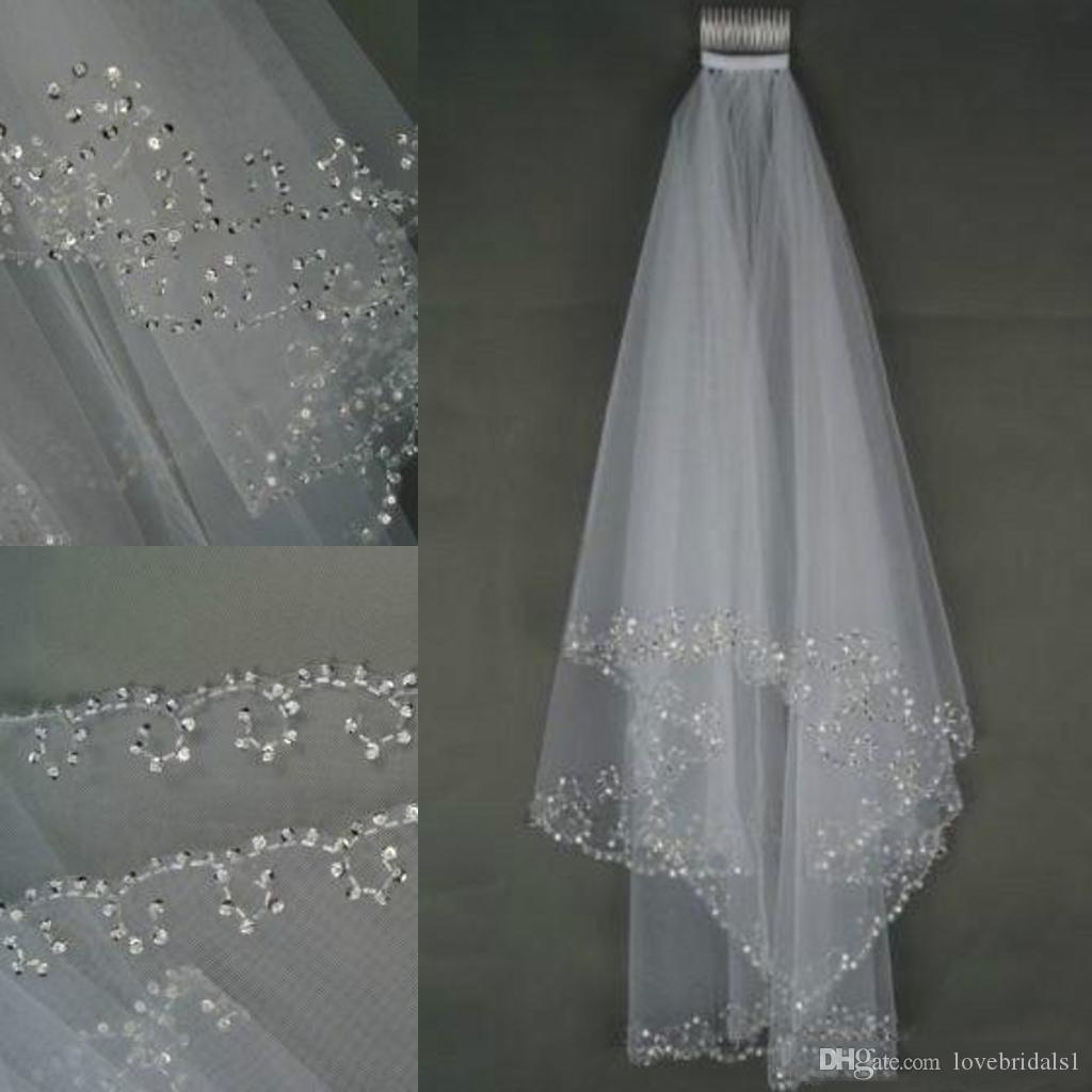 Perles de voile de mariée élégantes blanches et ivoire avec peigne mariage cristaux de voiles de mariée 2 couches couche Crescent Edge Accessoires de mariée à la main en Stoc